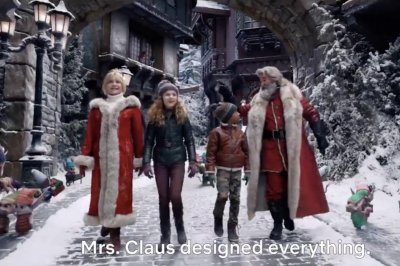 'Christmas Chronicles 2' trailer: Kurt Russell, Goldie Hawn reprise Santa, Mrs. Claus