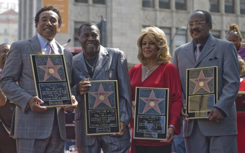 Miracles singer Bobby Rogers dead at 73
