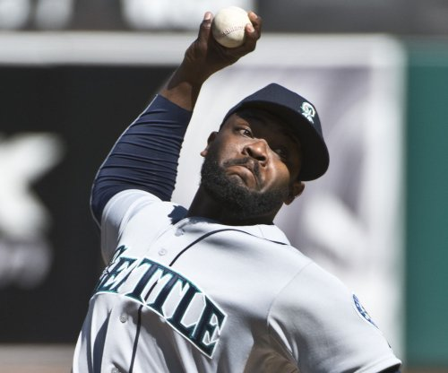 Chicago Cubs acquire Fernando Rodney from Seattle Mariners