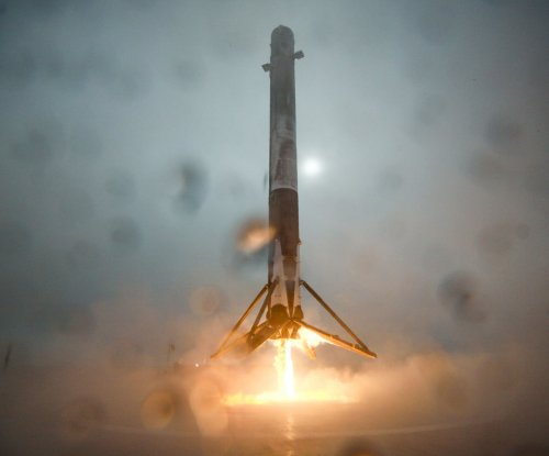 SpaceX successfully launches rocket, fails to make landing