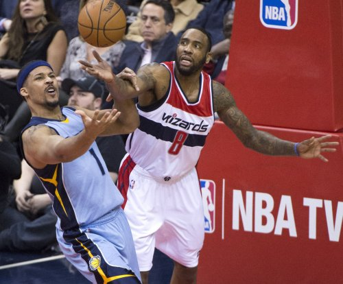 Miami Heat trade G Brian Roberts, F Jarnell Stokes in two minor deals