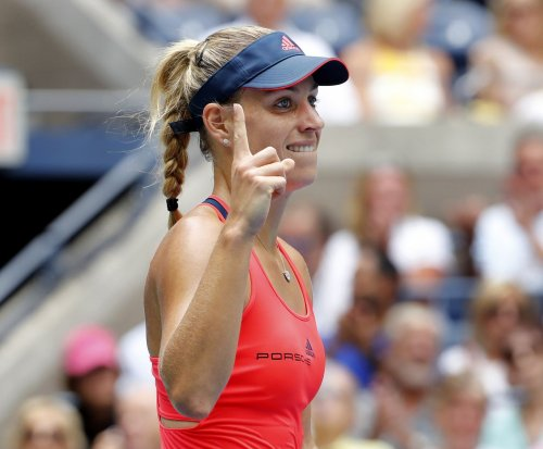 2016 U.S. Open: Angelique Kerber bests Roberta Vinci to advance to semis