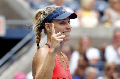 2016 U.S. Open: Angelique Kerber bests Roberta Vinci to advance to semis