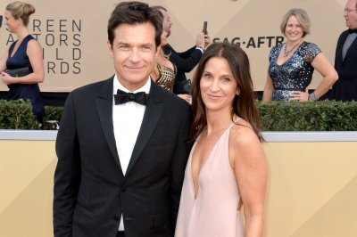 Jason Bateman 'embarrassed' for defending Jeffrey Tambor
