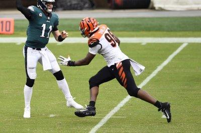 Seattle Seahawks release two-time Pro Bowl DE Carlos Dunlap