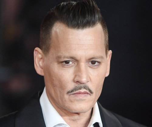 'Fantastic Beasts' director defends Johnny Depp's casting