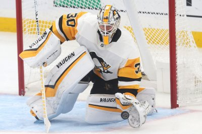 Penguins' Matt Murray stops Oilers' Connor McDavid on penalty shot