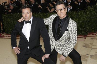 Jimmy Fallon, Stephen Colbert sing 'NeverEnding Story'