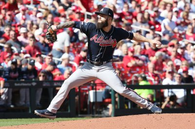 Chicago White Sox officially sign All-Star pitcher Dallas Keuchel to three-year deal