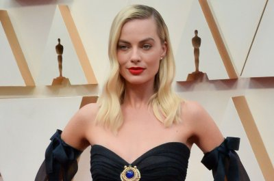 Margot Robbie to star in new 'Pirates of the Caribbean' film