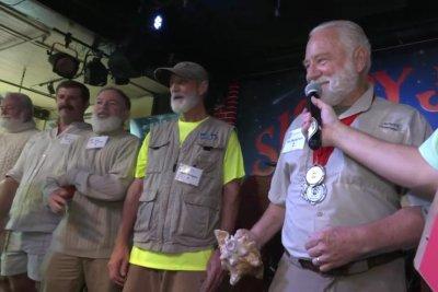 Hemingway look-alikes compete at Key West festival