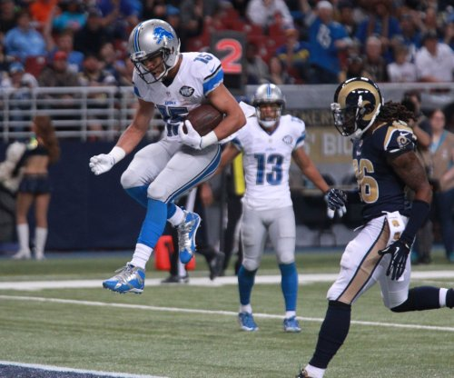 Golden Tate breaks through late for Detroit Lions