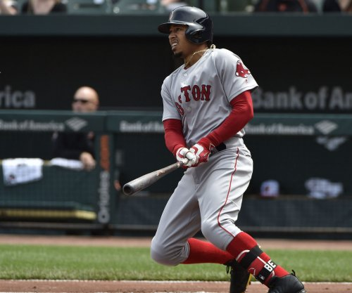 Mookie Betts' homer guides Boston Red Sox by Houston Astros