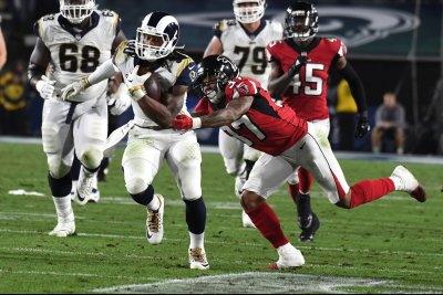 Gurley agrees to record $60 million pact for RB