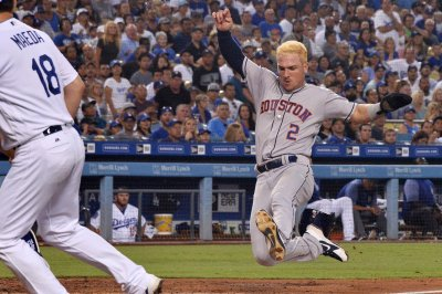 Houston Astros obliterate Los Angeles Dodgers 14-0