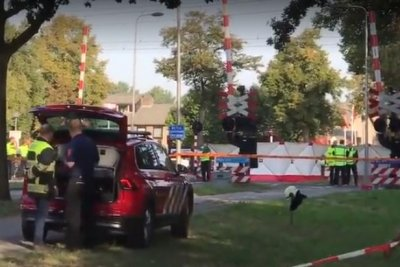 Netherlands train hits children on bicycle; 4 dead
