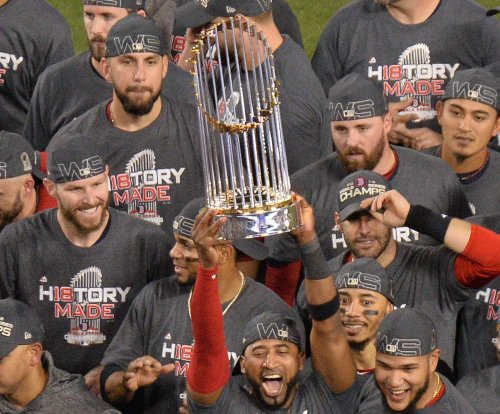 Yankees, Red Sox enter spring training as World Series favorites
