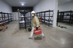 440,000 file new unemployment claims; fewest in 14 months