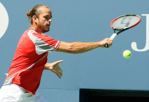Baker, Malisse in Auckland 1st-round wins