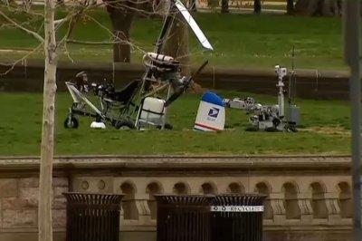 Gyrocopter lands near U.S. Capitol; pilot arrested