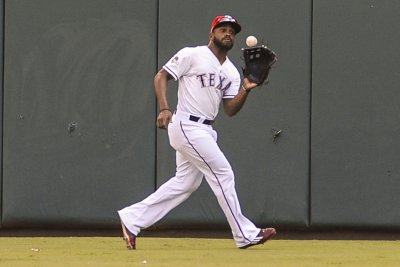 Rangers poised for sweep of Orioles