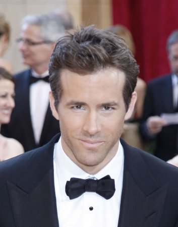 Reynolds named People's Sexiest Man Alive