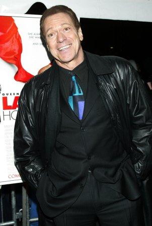 'SNL' alumni to reunite for benefit