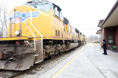 Train hits SUV in southern Illinois, 3 dead