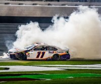 NASCAR, boxing title bout, NBA matchups highlight weekend sports schedule