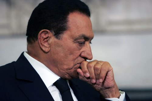 Mubarak to be flown to Cairo hospital