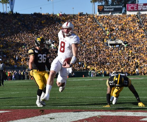 Stanford's Kevin Hogan aces fake fumble play