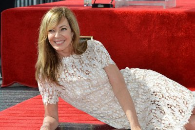 Allison Janney to star in Broadway revival of 'Six Degrees of Separation'