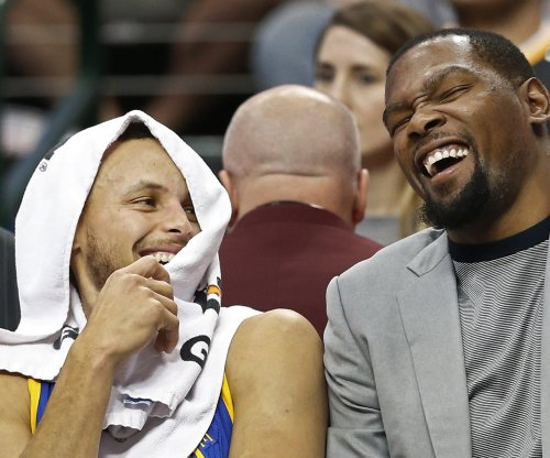 Golden State Warriors' Stephen Curry, Kevin Durant out vs. Sacramento Kings