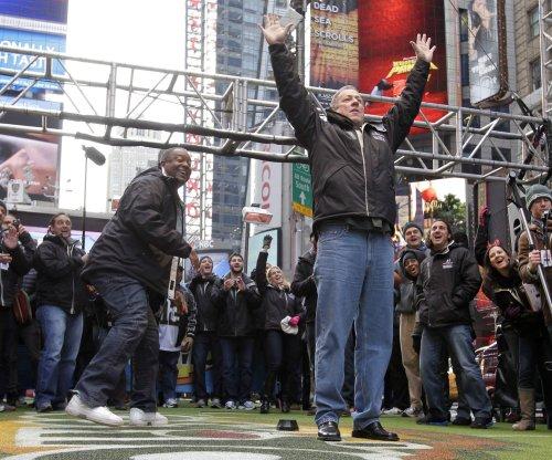 Jim Kelly makes surprise visit to Bills' rookie minicamp