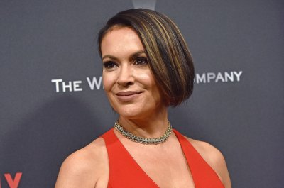 Alyssa Milano to receive GLAAD award in September
