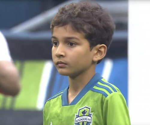 Seattle Sounders start 8-year-old cancer patient as goalie