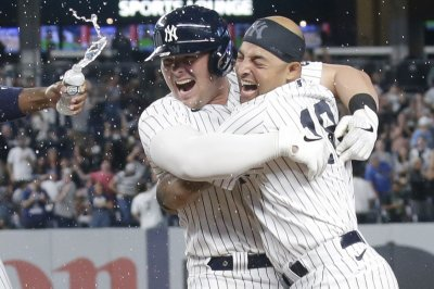 Luke Voit leads Yankees to walk-off win over Royals