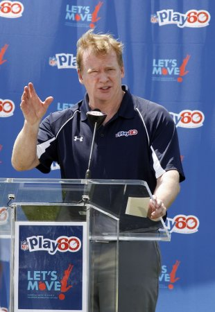 Goodell says he'll cut his salary to $1
