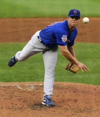 Rangers sign pitcher Rich Harden