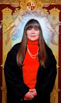 Anne Rice's 'Vampire Chronicles' in the works at Universal
