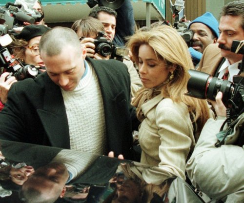Faye Resnick character makes appearance during 'People v. O.J. Simpson' premiere