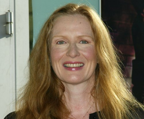 'American Horror Story' alum Frances Conroy to headline Spike's 'The Mist' miniseries