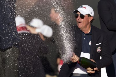U.S. reclaims Ryder Cup, 17-11 over Europe