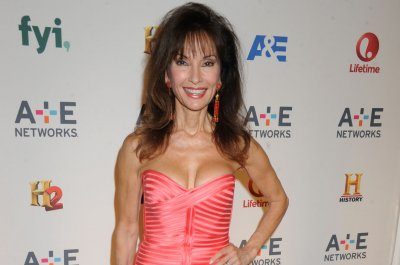Susan Lucci begins auction of personal items for charity