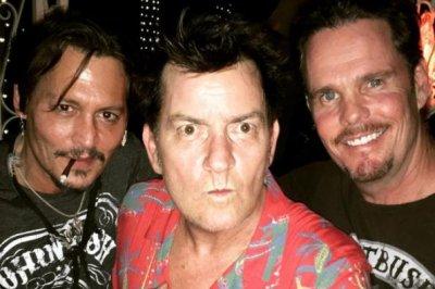 'Platoon' stars Johnny Depp, Charlie Sheen, Kevin Dillon reunite