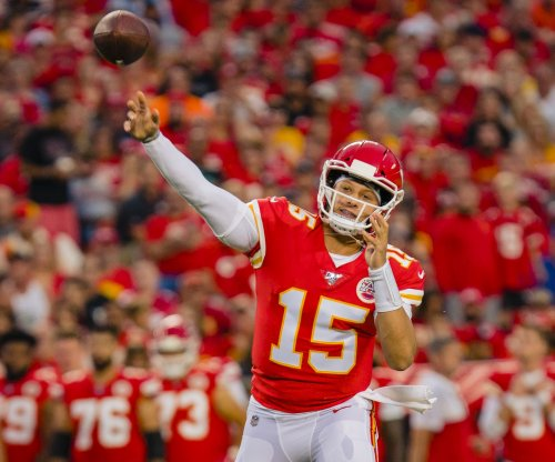 Chiefs' Patrick Mahomes expected to miss at least three weeks