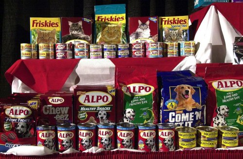 FDA orders pet food company to get permit