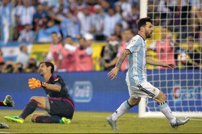 Copa America 2016: Argentina rolls to 4-1 win, Chile stomps Mexico