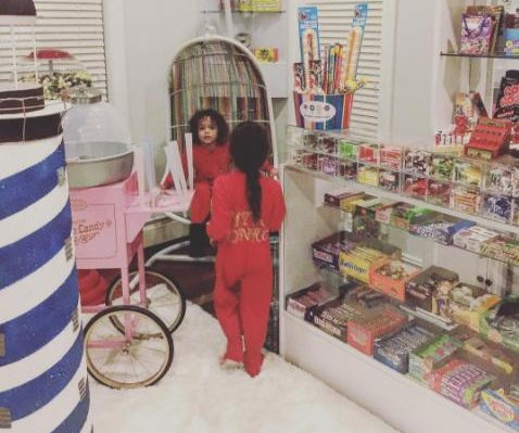 Nick Cannon, Mariah Carey's kids have their own candy room