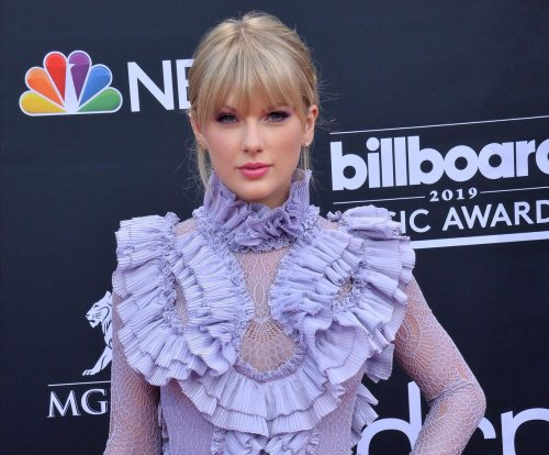 'Cats:' Taylor Swift, Jennifer Hudson go behind-the-scenes in new video